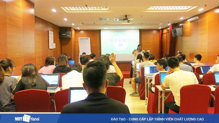 Chương trình học miễn phí dành cho các bạn có đam mê với công nghệ thông tin